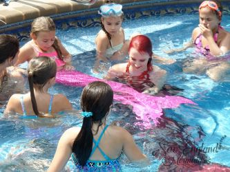 Learn How To Be A Mermaid How To Use A Monofin