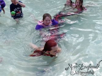mermaid-playing-with-children-kids-party-entertainment-real-mermaid-performer-connecticut