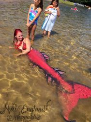 mermaid-sasha-dragon-skin-silicone-mermaid-tail-realistic-fins-new-england-mermaids-performer