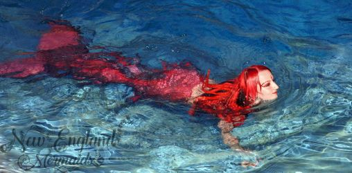 mermaid-sasha-real-live-mermaid-party-pool-ocean-swimming-performer-cambridge-ma