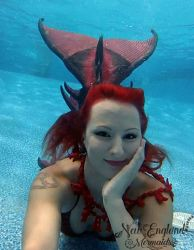 underwater-mermaid-performer-for-events-pool-parties-luau-corporate-hotel-massachusetts